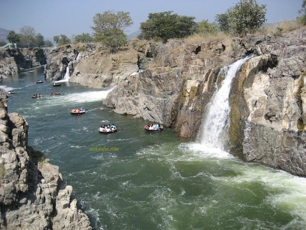 Hogenakkal Water Falls – Niagara of India — Mohan's Blog